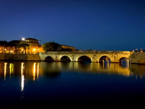 Noční část starého Rimini