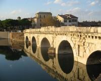 Ukazka Emilia Romagna most Tiberio